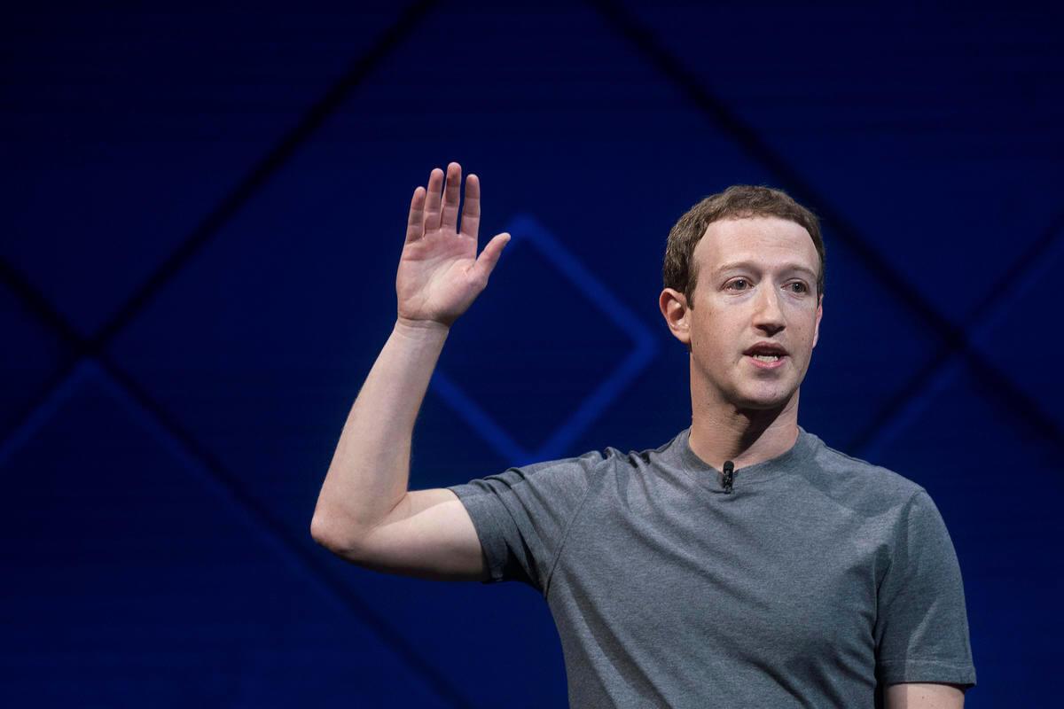 Mark Zuckerberg Teknoloji Sevdalıları İçin Kitap Önerdi